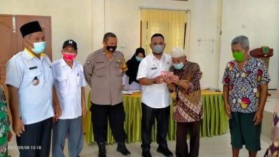 Bantuan Langsung Tunai (BLT) DD Desa Suka Rame Berlangsung Tertib