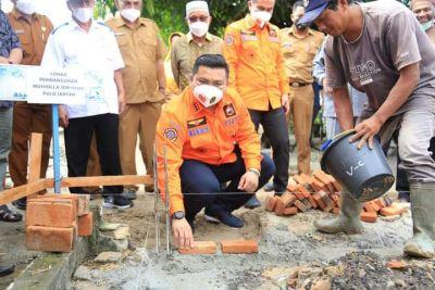 Bupati dan Wabup Peletakan Batu Pertama di Mushola SD Marbau dan Pulo Jantan