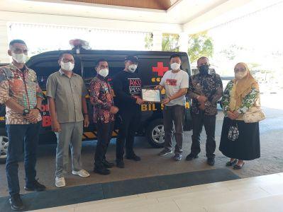 Bupati Labura Menerima Bantuan Ambulance dari IPB